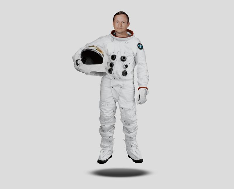 Retouching – BMW Astronaut (via Serviceplan)